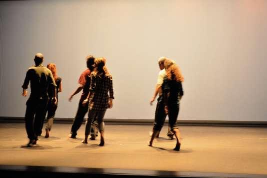 Les danseurs d'« Avant le ciel»s'inspirent des mouvements effectués pardes amateurs.