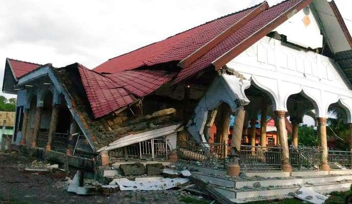 Dans la ville de Pidie, au cœur de la province d'Aceh en Indonésie, le 7 décembre, après un séisme de magnitude 6,5.
