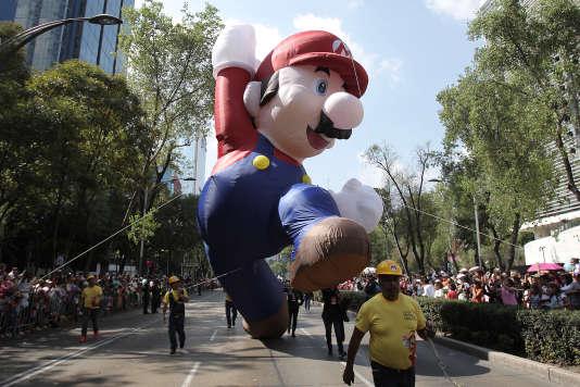 Mario gonflable lors d'un défilé de ballons géants à Mexico, le 21 novembre 2015.