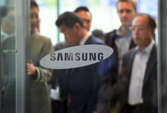 Un magasin Samsung à Séoul, le 6 décembre.