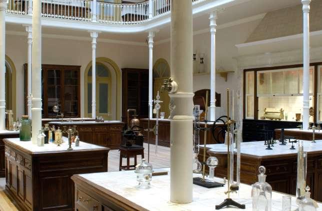 Le musée d'histoire naturelle et de la science abrite d'anciens laboratoires de chimie.