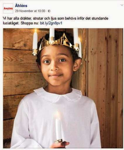 L'enseigne suédoise Ahlens avait publié cette photodans son catalogue de Noël. Le 5 décembre, elle a dû la retirer de sa page Facebook.