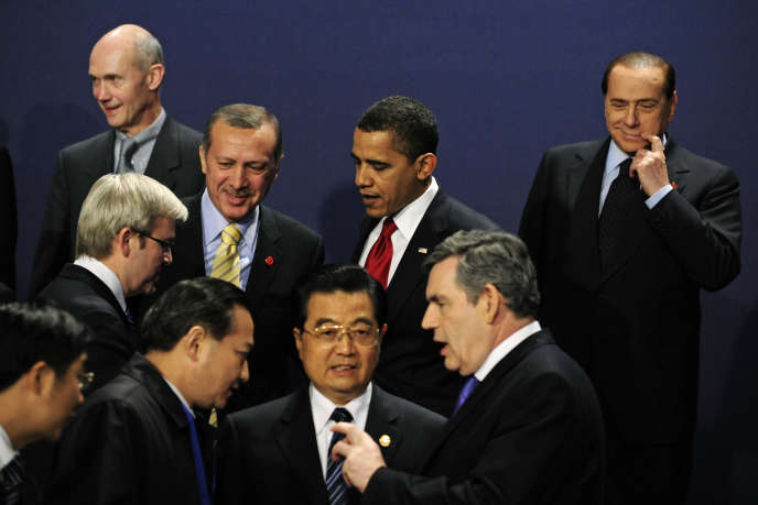 Pascal Lamy (top L) with then Britain's Prime Minister Gordon Brown (bottom R), China's President Hu Jintao (C) and Italy's Prime Minister Silvio Berlusconi (top R) at the G20 summit in London on April 2, 2009. Lamy was wiretaped by British intelligence ahead of this crucial meeting.