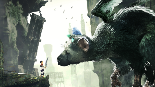 Le jeune héros et son compagnon Trico, l'aigle-chat géant.