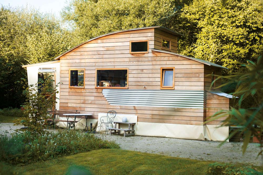 vivre dans une tiny house ces maisons minuscules qui offrent une grande libert. Black Bedroom Furniture Sets. Home Design Ideas