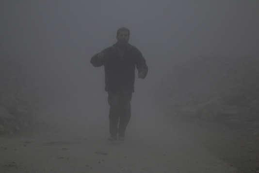 La perte d'Alep constituerait pour les insurgés leur pire défaite depuis le début de la guerre : ils ne contrôleraient alors plus que la province d'Idlib voisine et quelques poches près de Damas et dans le sud du pays.