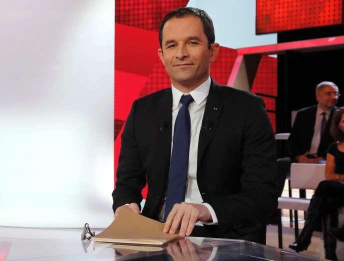 Benoît Hamon sur le plateau de« L'émission politique» sur France 2, jeudi 8 décembre.