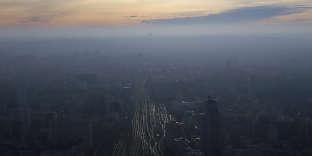 Le nuage de pollution au-dessus de Paris, le 7 décembre 2016.