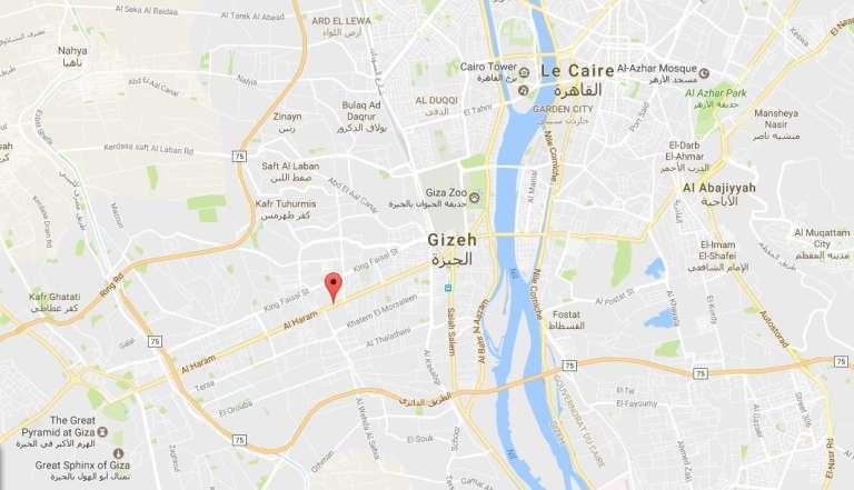 La routed'Al-Haram part du centre de Gizeh, au Caire, pour rejoindre les pyramides.