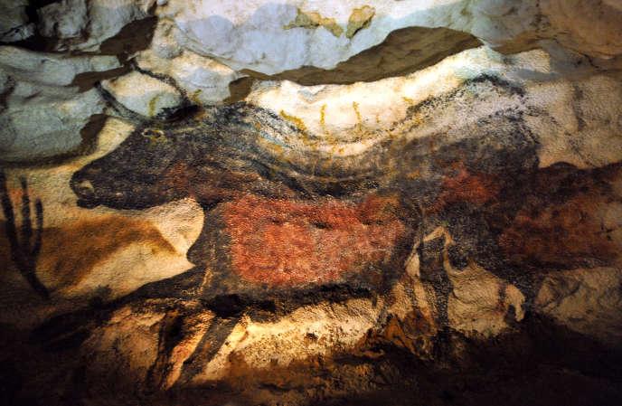 La grotte de Lascaux a été peinte il y a environ 18 000 ans.