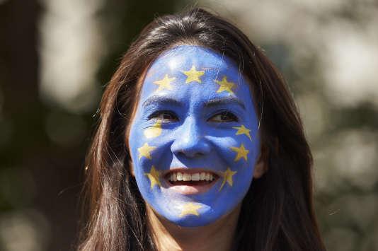 Ce nouveau corps européen est ouvert aux jeunes de 18 à 30 ans. Ici, lors d'une manifestation en faveur du maintien du Royaume-Uni au sein de l'Union européenne, enjuillet.