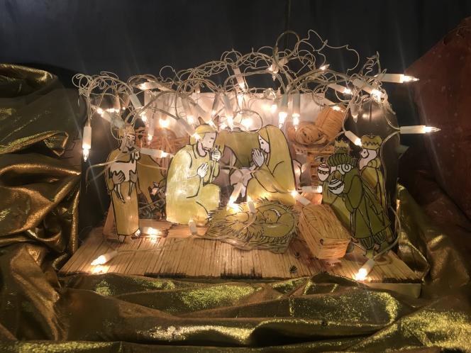 «Le raisonnement du Conseil d'État, et c'est en cela qu'il est passionnant, repose sur le constat qu'une crèche revêt désormais une pluralité de significations et que le symbole chrétien s'intègre dans les décorations et manifestations qui annoncent Noël» (Photo: àHasnon, dans le Nord, une centaine de crèches de Noël sont exposées jusqu'à fin décembre).