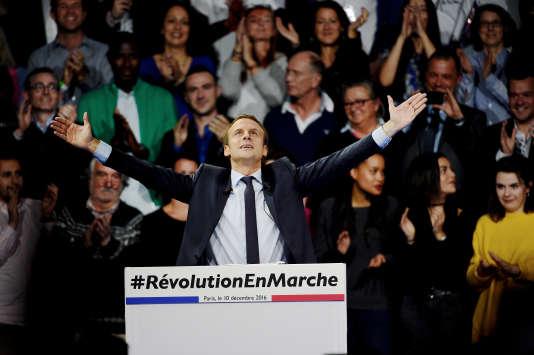 Emmanuel Macron lors du meeting parisien de son mouvement En marche ! au Parc des expositions de Paris le 10 décembre.