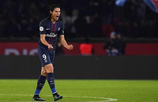 Edinson Cavani a marqué un doublé face à Nice et a sauvé le PSG dunaufrage.