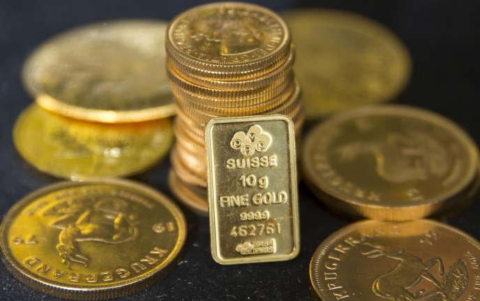 Des pièces d'or.