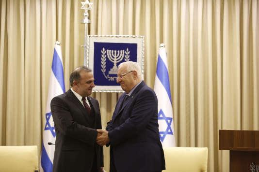 L'ambassadeur turc Mekin Okem a été reçu à Jérusalem par le président israélien Reuven Rivlin, le 12 décembre.