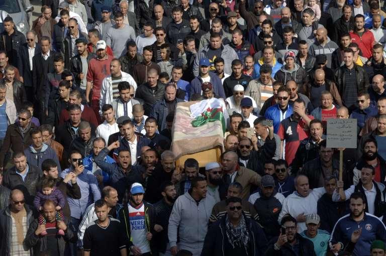 Les funérailles du journaliste Mohamed Tamalt à Alger, le 12 décembre 2016.