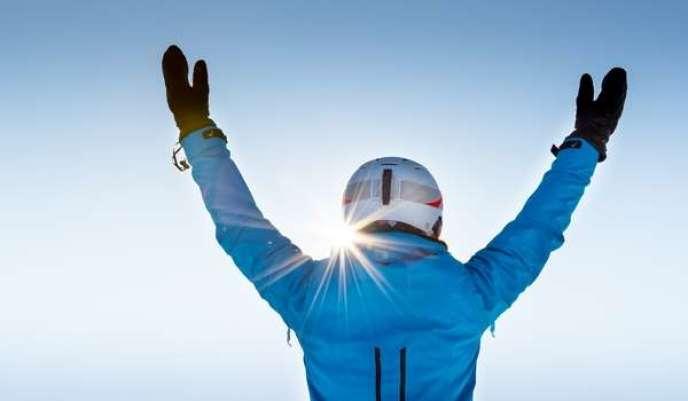 Le yoga à ski ? Quoi de mieux pour faire la salutation au soleil ?