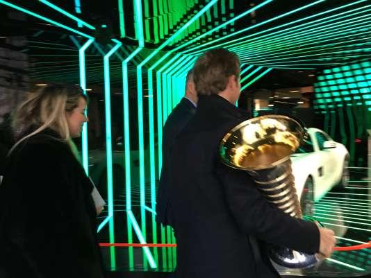 Arrivée de Nico Rosberg au drugstore Mercedes des Champs Elysées, à Paris, le 13novembre.