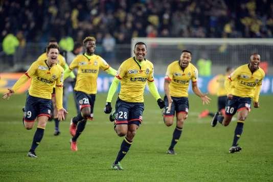 Les joueurs du FC Sochaux célèbrent leur victoire sur l'Olympique de Marseille, en huitièmes de finale de la Coupe de la Ligue, le13décembre.