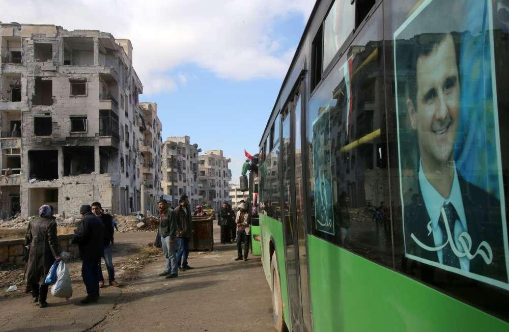 Le 22 décembre, l'armée syrienne annonce avoir repris Alep dans sa totalité après l'évacuation des derniers insurgés, ce qui représente la victoire la plus importante du président syrien Bachar Al-Assad depuis le début de la guerre, il y a près de six ans. Photo prise le 3 décembre, à Alep-Est.