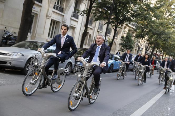 Tony Estanguet (à gauche), coprésident de Paris 2024, et Thomas Bach, président du CIO, le 2 octobre 2016.