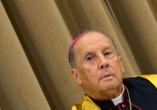 Né à Madrid en 1932 et ordonné prêtre en 1955, Javier Echevarria était devenu assez rapidement un proche collaborateur de Mgr Escriva de Balaguer, fondateur de l'Opus Dei.