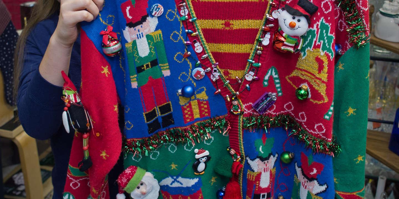 D'où vient la tradition du « pull moche de Noël » ?