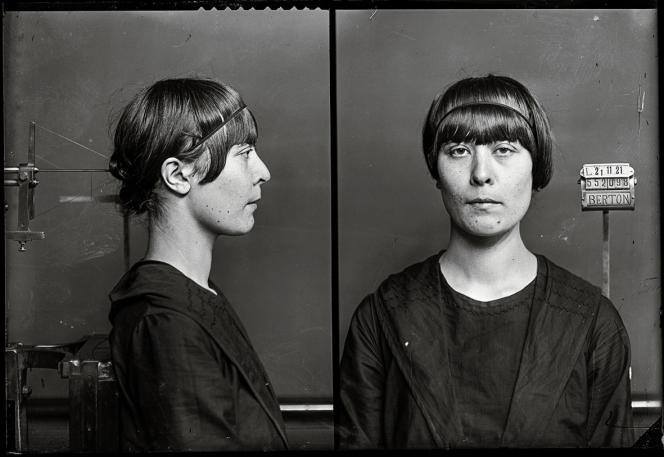 L'anarchiste Germaine Berton en 1921, accusée de l'assassinat du secrétaire de la Ligue d'action française Marius Plateau. Malgré ses aveux, elle sera acquittée.