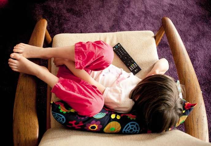 Moins exposés à la publicité, les enfants seraient moins incités à consommer à outrance.