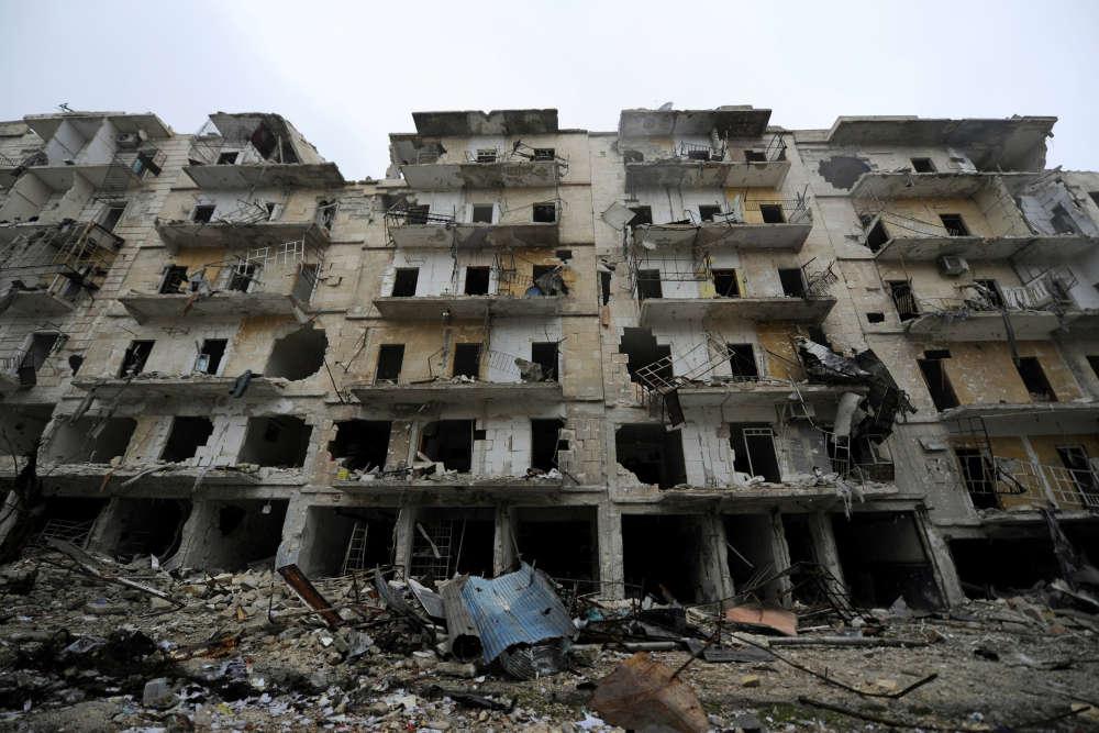 Alep, le 13 décembre 2016. Des bâtiments endommagés, dans le quartier Al-Chaar. L'un des derniers quartiers rebelles à avoir été repris par le gouvernement.
