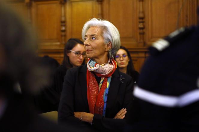 La directrice générale du Fonds monétaire international (FMI), Christine Lagarde, devant la Cour de justice de la République, à Paris, le 12 décembre.