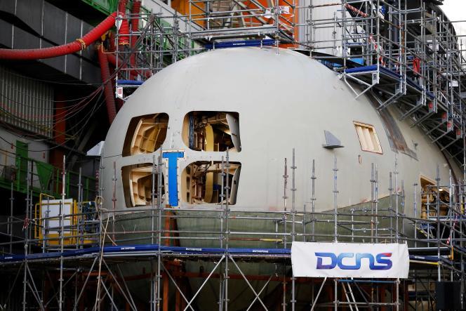 Les premiers travaux sur la partie design ont commencé chez DCNS à Cherbourg, dans l'ouest de la France, où une cinquantaine d'Australiens seront installés. Ici, le 14 décembre à Cherbourg.