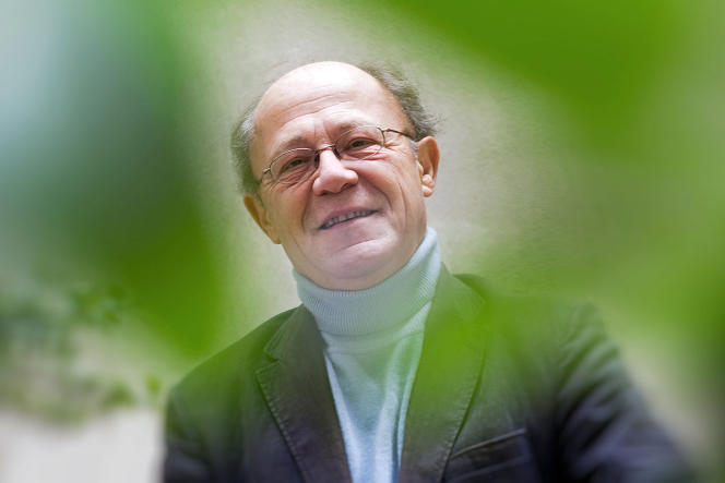 En écho au documentaire «L'infini turbulent»,le pianiste Alain Planès conviait le 12 décembre à une soirée de récital aux Bouffes du Nord.