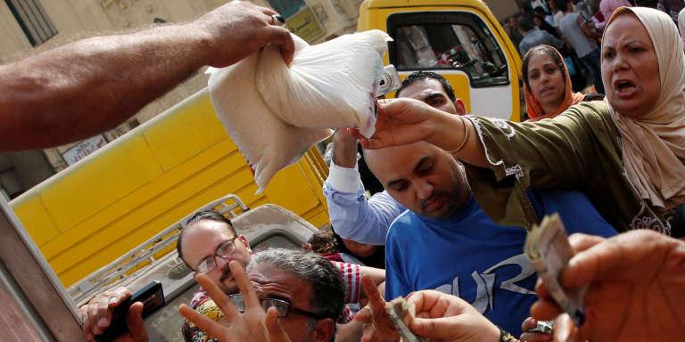 Vente de sucre subventionné au Caire, le 14 octobre 2016.
