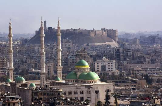 (FILES) This file photo taken on December 03, 2016 shows Aleppo's historic citadel as seen from the government-held side Syria's second city. Syrian government forces control all of Aleppo's historic Old City after rebel fighters withdrew in the face of army advances overnight, the Syrian Observatory for Human Rights said on December 7, 2016. / AFP / George OURFALIAN