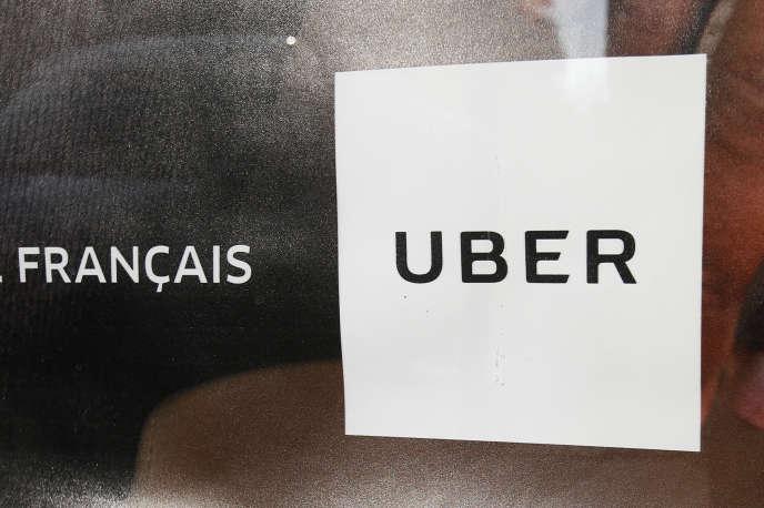 La hausse des tarifs d'Uber annoncée le 8 décembre a été qualifiée de « fumisterie » et d'« effet d'annonce » par des associations de chauffeurs.