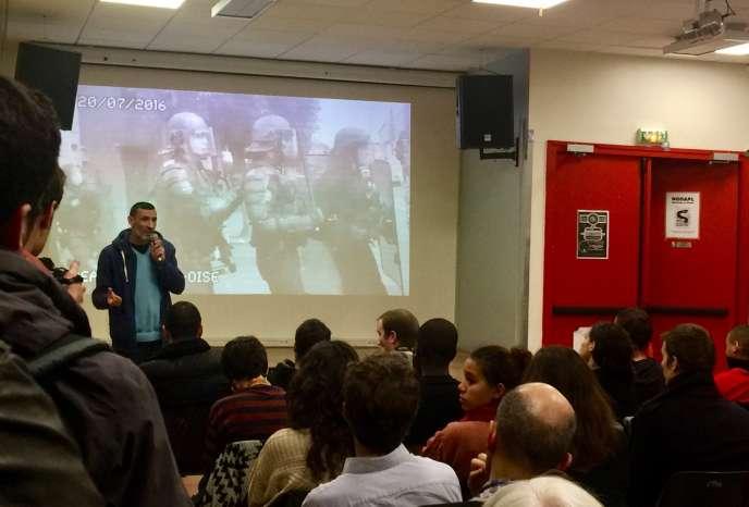 Samir Baaloudj lors du meeting de soutien à Bagui et Ysoufou Traoré, à Paris, le 14décembre 2016.