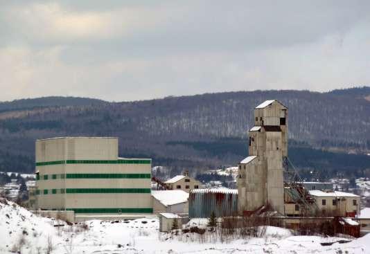 Une usine de production d'amiante dans la ville de Thetford Mines, au Québec.