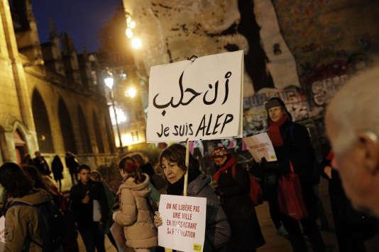 Rassemblement, à Paris, le 14 décembre.