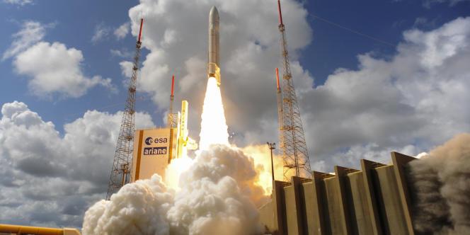 La fusée Ariane 5, qui embarque quatre satellites Galileo, décolle de la base de Kourou, en Guyane, le 17 novembre.