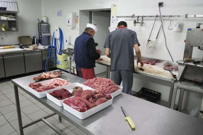 Boucheries artisanales, exploitations agricoles, abattoirs ... C'est toute la filière viande qui est en difficulté aujourd'hui.