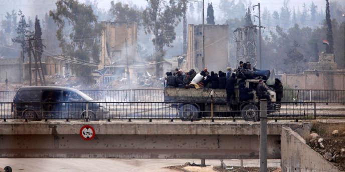 Evacuation des rebelles de l'est d'Alep, le 16 décembre.