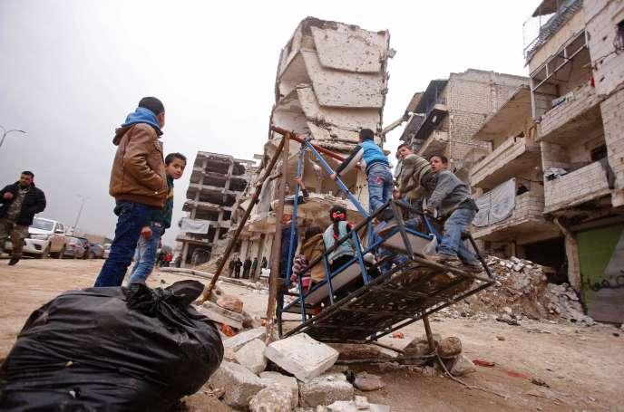 Dans un quartier d'Alep tenu par le régime de Bachar Al-Assad, le 16 décembre.