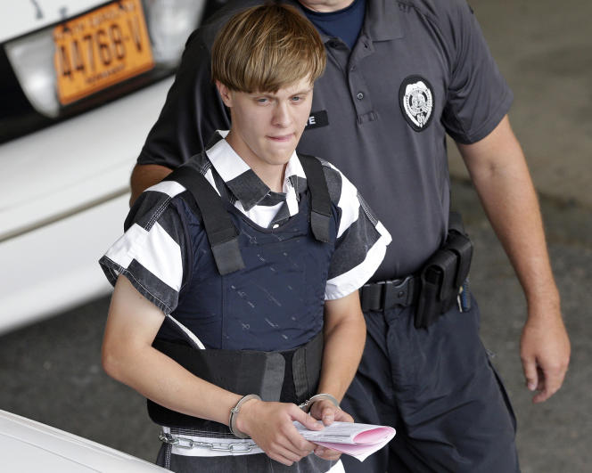 Dylan Roof, the U.S. convict in the 2015 racist Charleston massacre, was expelled from Cleveland County Court in Shelby, North Carolina on June 18, 2015.