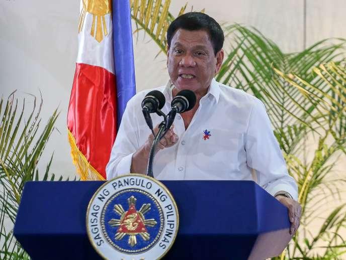 Le président philippin, Rodrigo Duterte, lors d'une conférence de presse le 17 décembre 2016.
