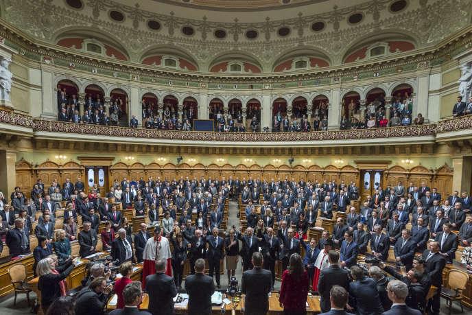 Le Parlement suisse a voté, vendredi 16 décembre, un projet de loi d'application du référendum sur« l'immigration de masse».