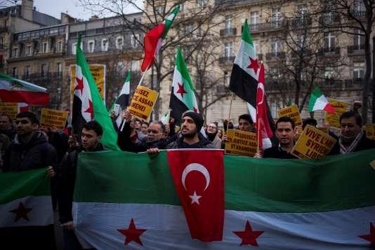Rassemblement de soutien aux habitants d'Alep à Paris, le 17 décembre 2016.