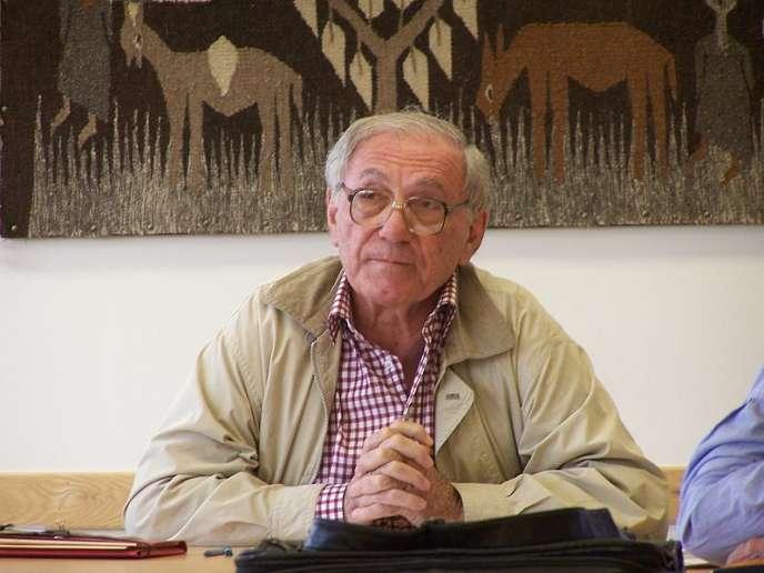 Sadik Jalal Al-Azm à l'université de Californie, à Los Angeles, en 2006.