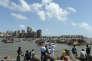 Lors d'une manifestation de pêcheurs contre le projet de construction d'une statue monumentale, dans la baie de Bombay, le 25 mai.